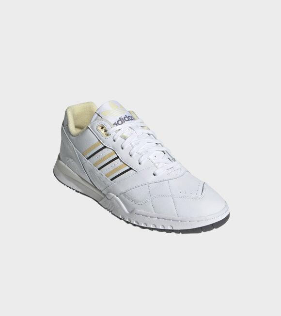 Adidas  - A.R. Trainer White