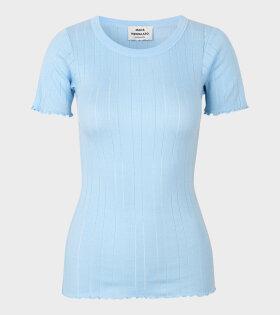 Mads Nørgaard  - Trixa T-shirt Soft Sky