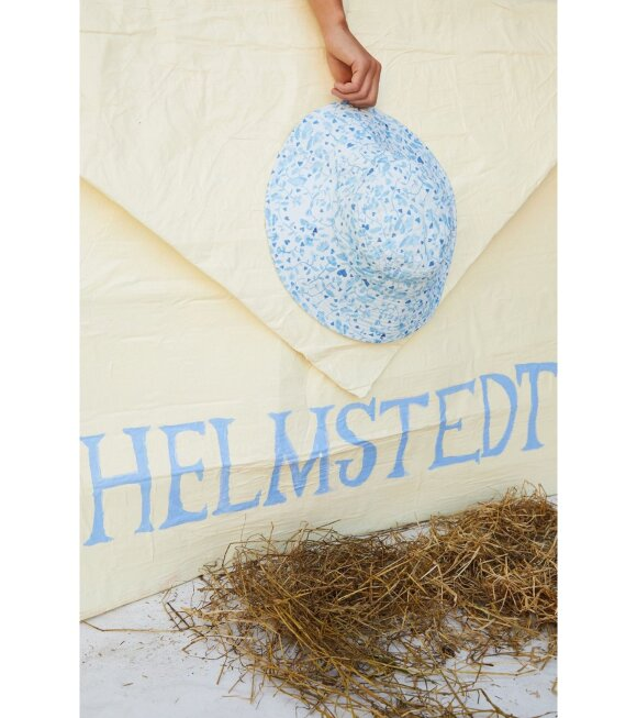 Helmstedt - Kumo Hat Tangle